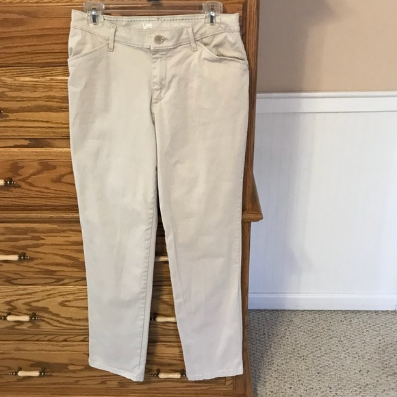 2c162e96 Lee Pants - Lee All Day Pant Chinos Style Pants. Size 6 Medium